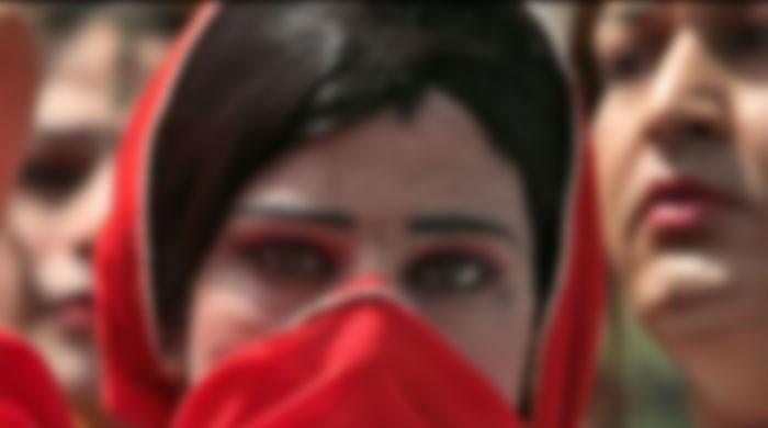 Collective rape of 2 eunuchs in Faisalabad / Dharti News