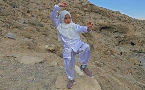 بلوچستان کے خزانوں سے ایک اور 'ہیرا 'مل گیا،جانئے ایسی11سالہ بچی کی کہانی جس نے ر یڑھ کی ہڈی میں دائمی تکلیف کے باوجود 'کنگ فو'ٹورنامنٹ جیت لیا