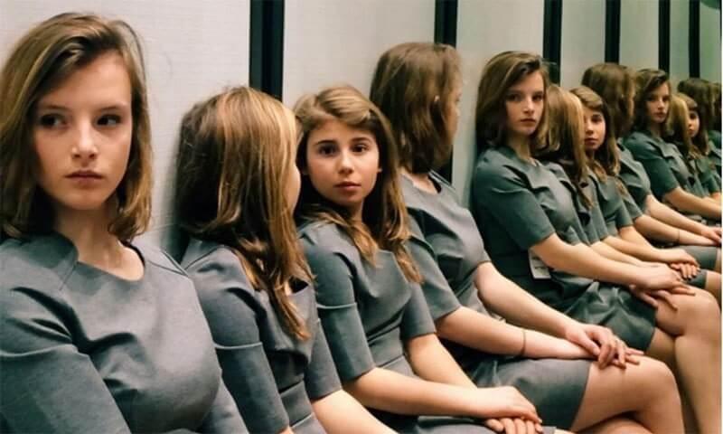 اس تصویر میں کتنی لڑکیاں ہیں؟