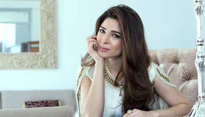 Photo of اداکارہ عائشہ عمر نے بھی ہراساں کیے جانے کا انکشاف کردیا