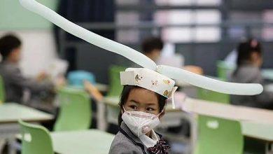 Photo of انوکھی ٹوپیاں بچوں کو سماجی دوری کا تصور سمجھانے کے لیے مددگار